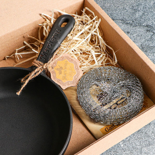 Ketaus-keptuves-T2012-dėžėje